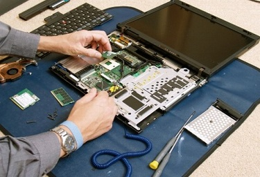 Reparatii laptop/netbook